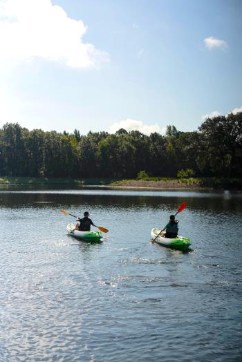2_kayaks_vertical_Carolina_Park_558.jpg