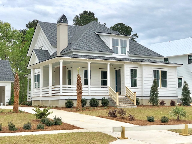 Riverside custom designed homes from the 600s for Seneca custom homes